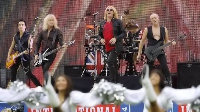 Ve a Def Leppard tocar en vivo en el estadio de Wembley como previo a partido de la NFL
